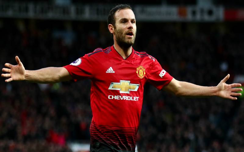 Man United players react as Juan Mata signs new two-year deal