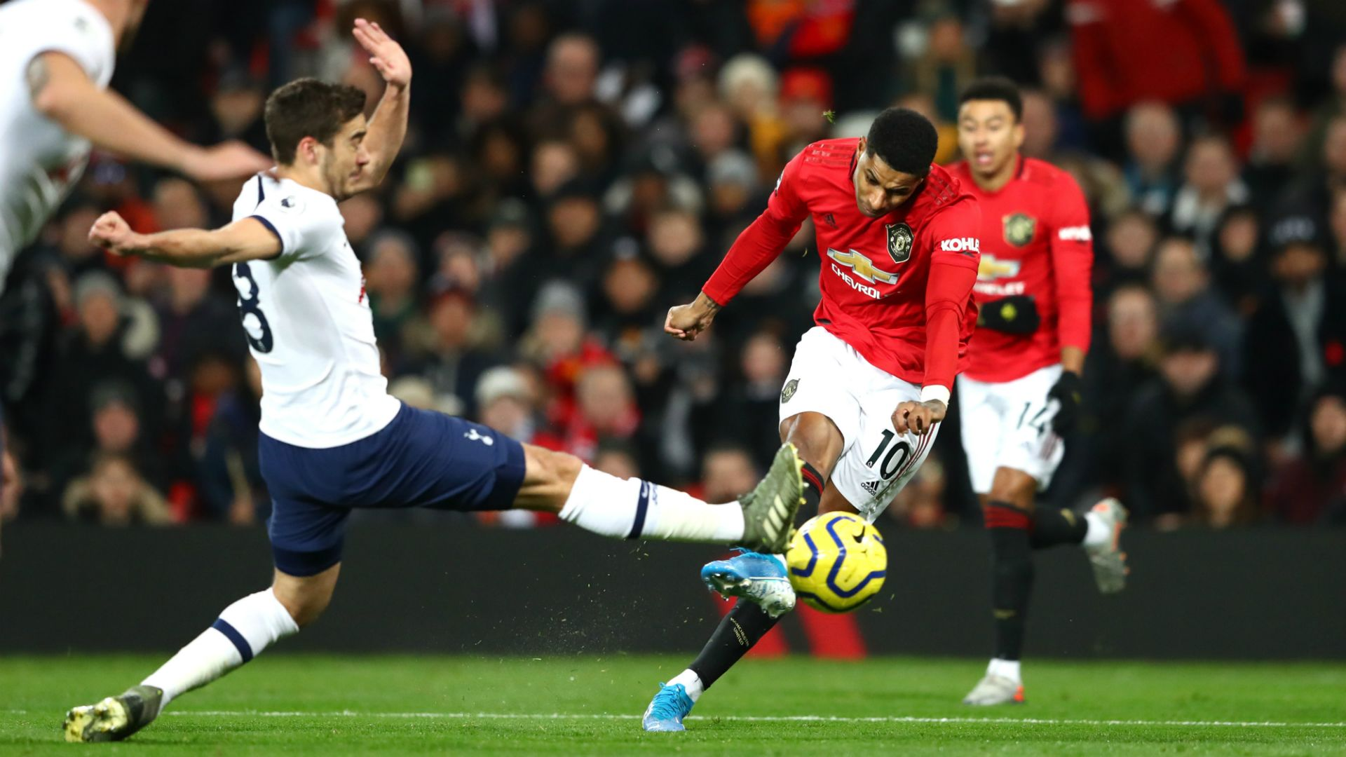 Key game for Manchester United, fans wait for Liverpool vs Arsenal