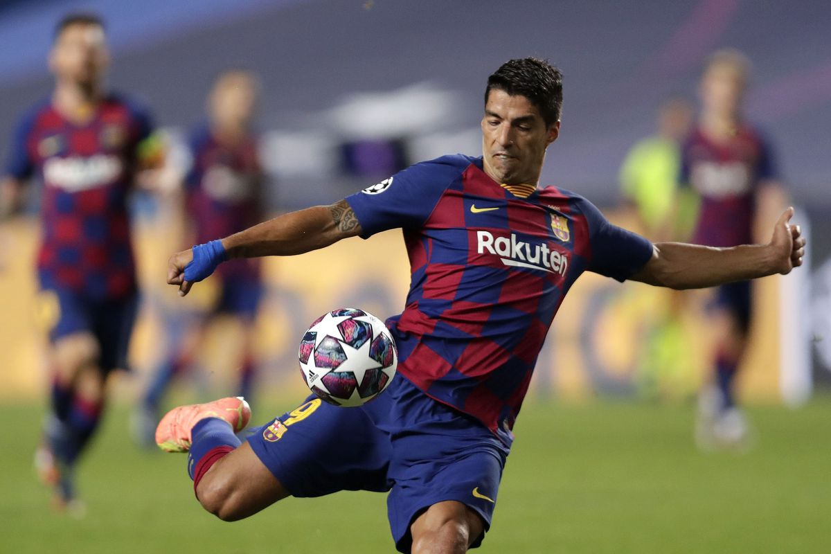 Suarez named in Uruguay squad for World Cup qualifiers