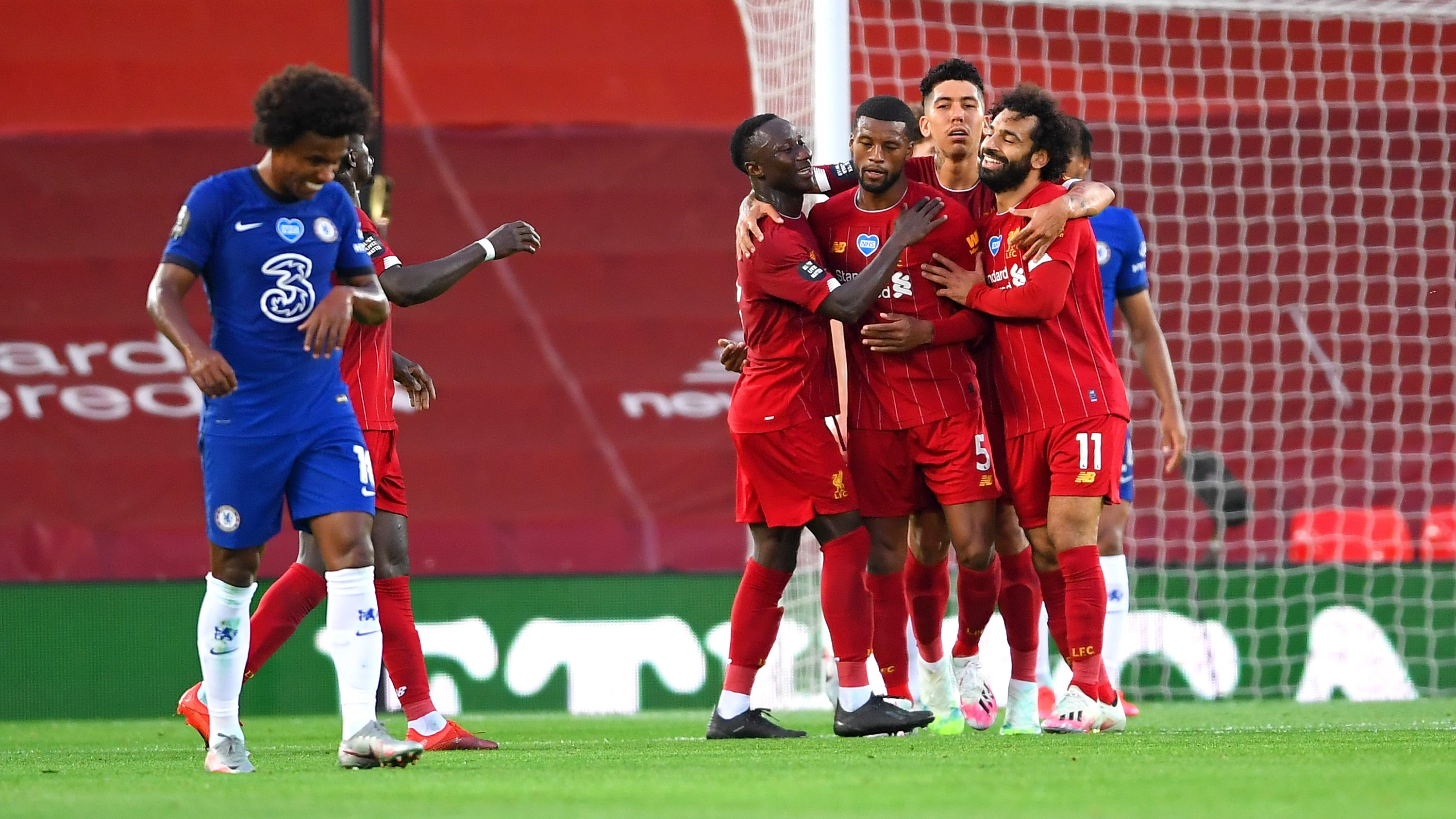 Liverpool beat Chelsea to start title defense