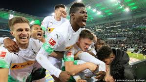 Monchengladbach shock leaders Bayern with comeback win