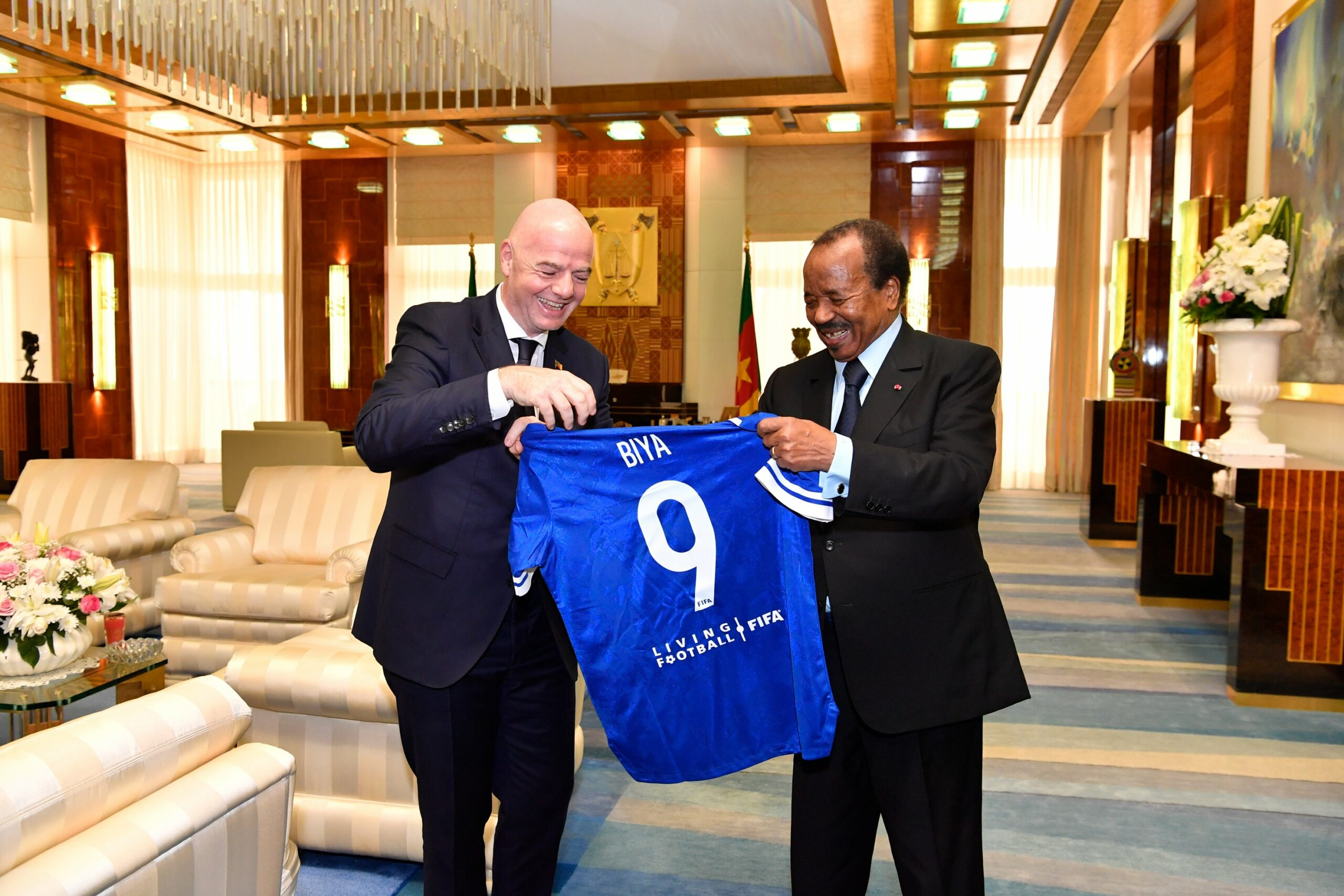 Cameroonian president discusses football development with FIFA president