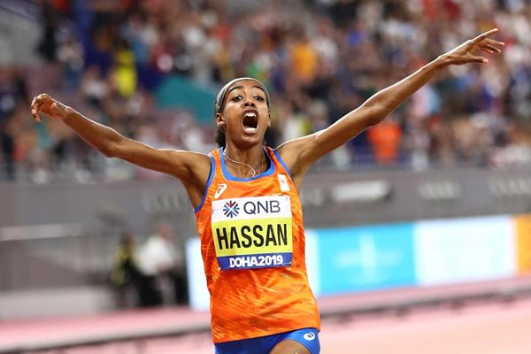 Sifan Hassan cruises to 5000m Olympic Gold