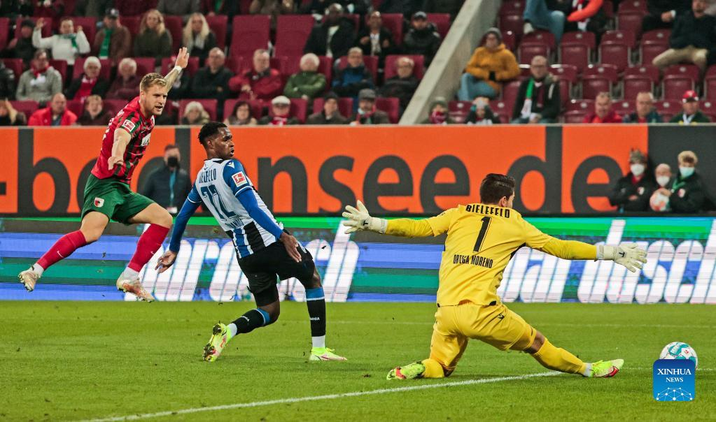 Jacob Laursen's late equalizer secures Bielefeld draw at Augsburg